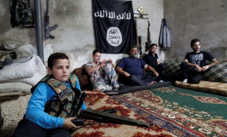 Fëmijët shqiptar mbahen peng nga ISIS