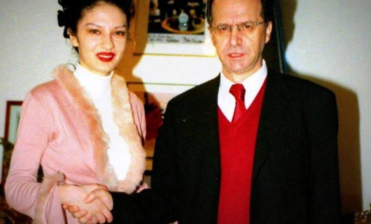 Adelina Ismaili e harron Rugovën në 10 vjetorin e vdekjes