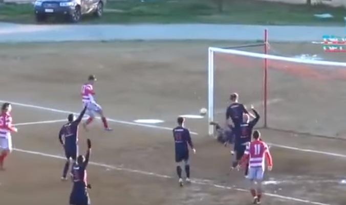 Portieri që ndalë 5 goditje në 15 sekonda (Video)