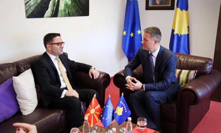 Kosova nënshkruan marrëveshje për çështje integrimi me Maqedoninë