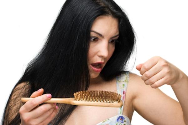 Banania ndihmon parandalimin e rënies së flokëve