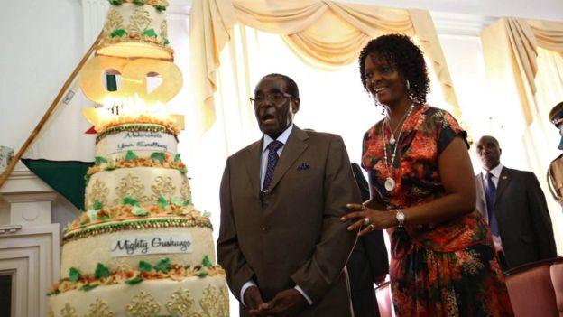Kritikohet ditëlindja e shtrenjtë e Mugabes