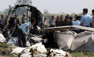 Katër të vdekur nga rrëzimi i një aeroplani në Mianmar