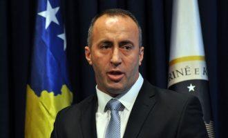 Haradinaj e mirëpret në Strasburg të dënuarin për mashtrim