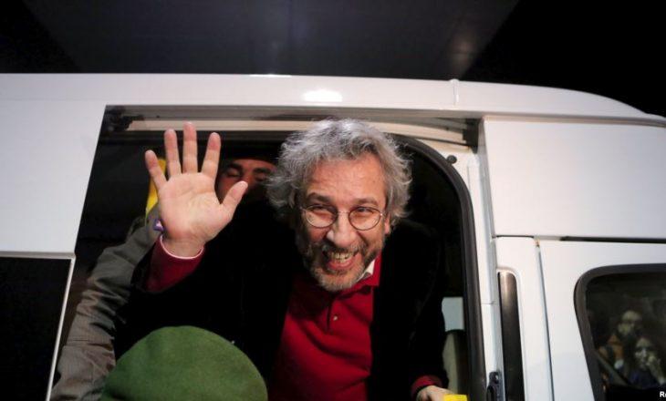Lirohen nga burgu dy gazetarë turq, pas vendimit të Gjykatës së Lartë