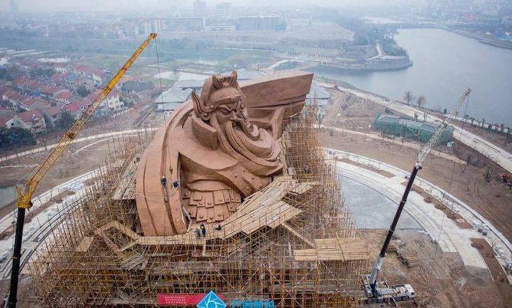Në Kinë ndërtohet statuja më e rëndë në botë
