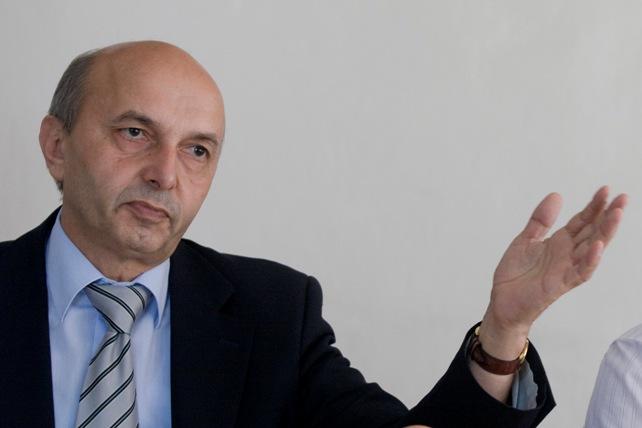 Mustafa paralajmëron konferencë shtypi