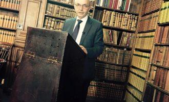Isa Mustafa në Oxford ligjëron sesi përdoret Facebook-u