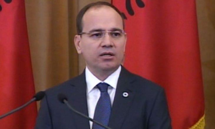 Nishani i thotë presidentit maqedonas se shqiptarët janë faktor shtetformues