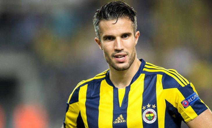 Van Persie i pakënaqur me trajnerin e Fenerbahçes