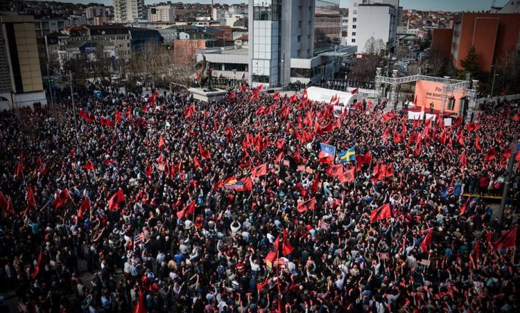 Opozita fillon nesër protestat maratonike derisa vendi të shkojë në zgjedhje