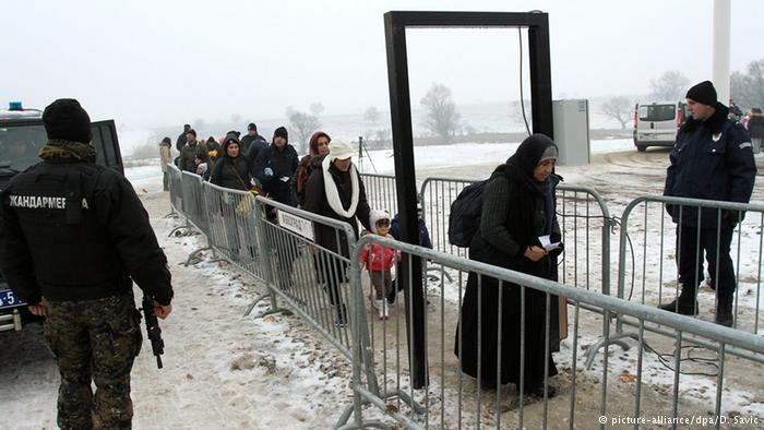 Vendet ballkanike e kufizojnë numrin e migrantëve, OKB proteston