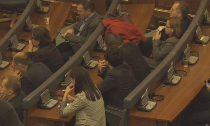 Arrest shtëpiak për disa nga deputetët e opozitës