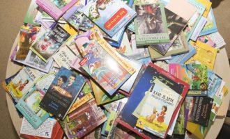 Kosova nuk guxon t'i hakmerret Serbisë për librat