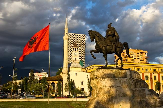 Banka Botërore vlerëson pozitivisht ekonominë e Shqipërisë