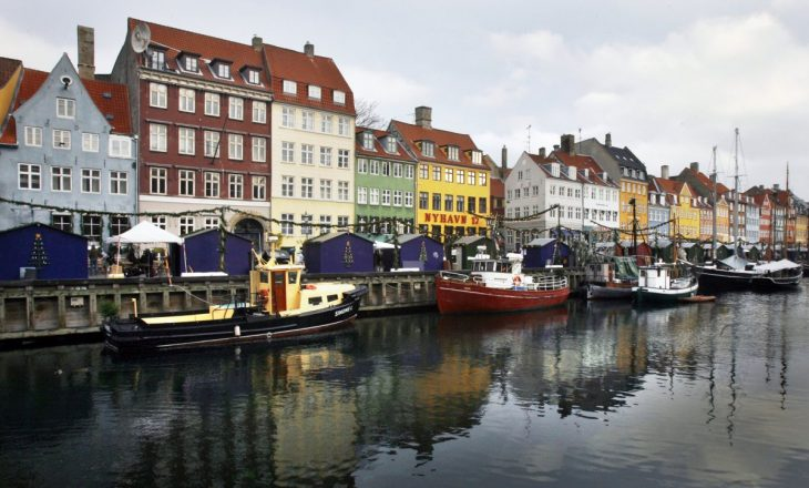 Punësimi në Danimarkë arrin kulmin, ka mungesë të fuqisë punëtore