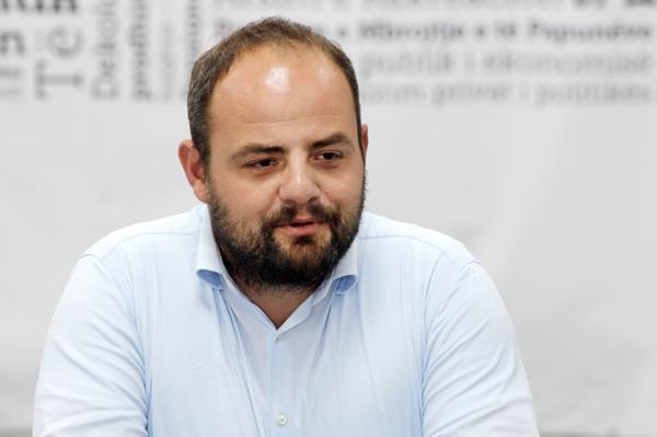 Boiken Abazi deklarohet për sondazhin e VV-së, shpërfaq bindje anarkiste