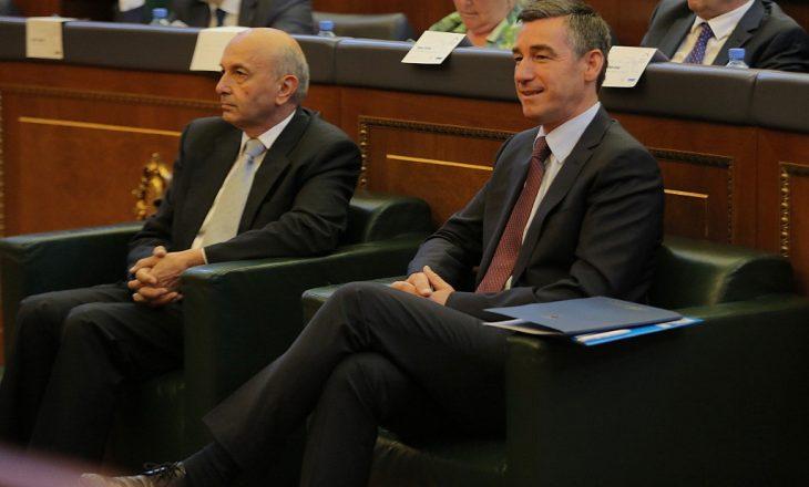 Shtohen kërkesat për riformatim të qeverisë