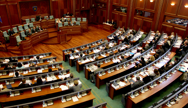 Kuvendi dështon ta votojë marrëveshjen ku Kosova përfaqësohet me fusnotë