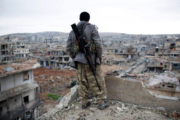 Mbi 90 civilë të vrarë nga bombardimet ruse në Siri