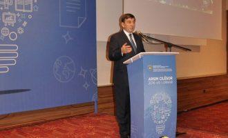 Ministri i Arsimit fajëson planprogramet e shkollave për rezultatin e PISA-s