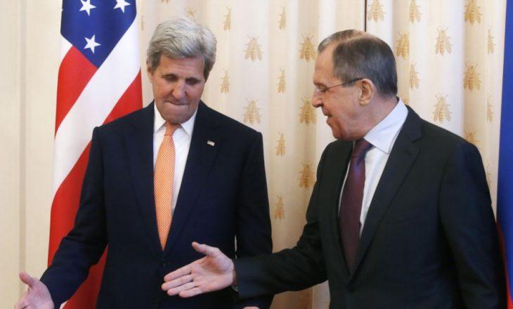 Rusia thotë se SHBA po mbron një grup xhihadist në Siri