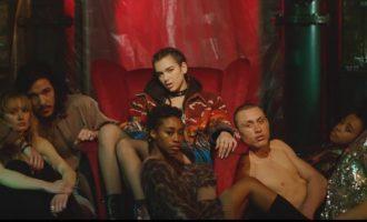 """Dua Lipa më e """"nxehtë se ferri"""" në videoklipin e ri"""
