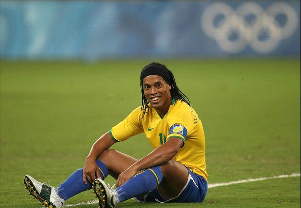 Ronaldinho pensionohet nga futbolli vitin e ardhshëm