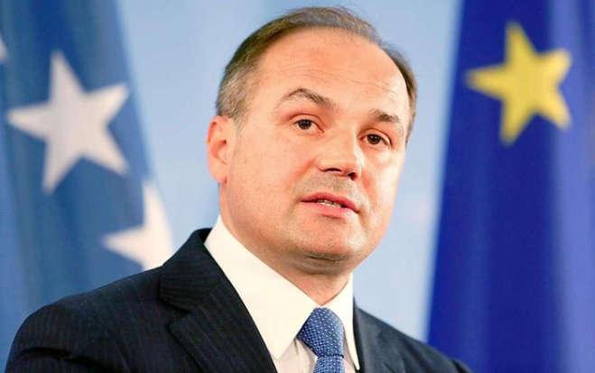 Hoxhaj në Slloveni, merr pjesë në Forumin e Bledit