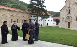 BE-ja i bën thirrje Komunës së Deçanit t'ia njoh pronësinë Manastirit për 26 hektarë tokë