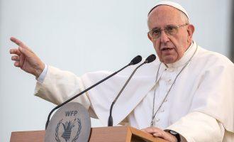 Papa refuzon donacionin pasi shuma përmbante numrat 666