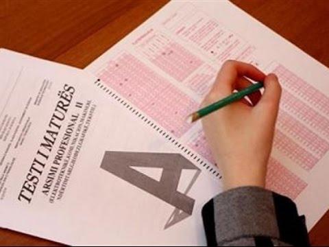 Mbi 2500 maturantë humbin të drejtën e diplomimit