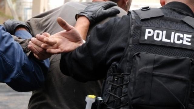 Arrestohen dy persona në Pejë, bënin propagandë për grupet terroriste