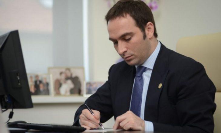 Stavileci sot LIVE në Facebook me qytetarët për projektin Kosova e Re