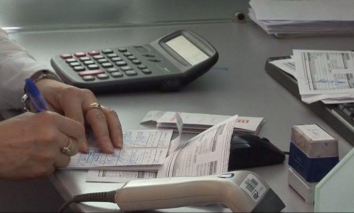 Edhe pas faljes së borxheve nga shteti, qytetarët zhyten prapë në borxhe