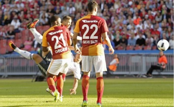 """Ibrahimoviç prezantohet para tifozëve me një gol """"alla Ibra"""""""