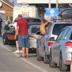 Rikthehet kolona në Merdare, mbi 3 orë pritje për të dalë nga Kosova