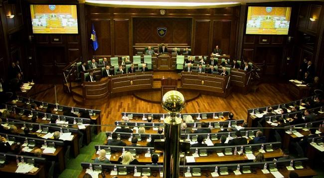Vazhdon seanca e kuvendit e ndërprerë javën e kaluar