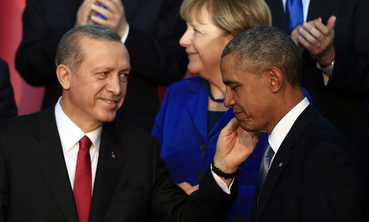 """Hetimet për """"puçin"""", Erdogan merr mbështetjen e Obamës"""