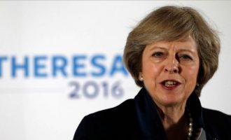 Kryeministrja britanike përjashton largimin 'gjysmak' nga BE