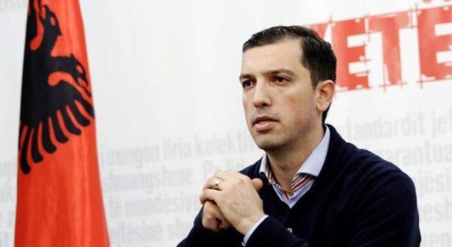 Vetëvendosje kërkon dorëheqjen e Isa Mustafës