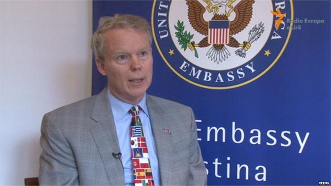 Konfiskimi i mbi 2 milionë eurove false impresionon ambasadorin Delawie