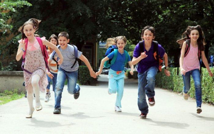 Ora e parë e vitit të ri shkollor i kushtohet Shën Terezës