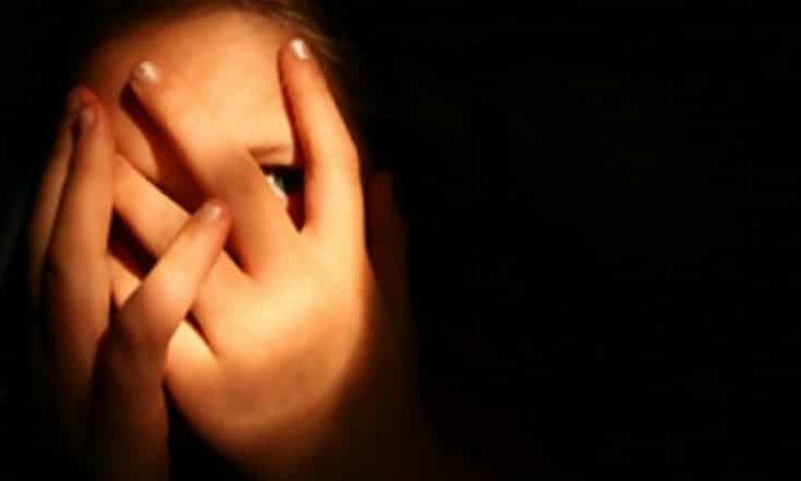 Arrestohet një grua për trafikim me njerëz