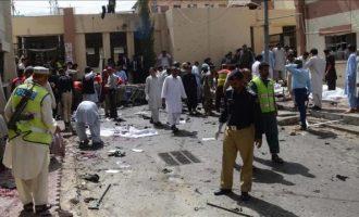 Talebanët vranë 70 njerëz në një spital në Pakistan
