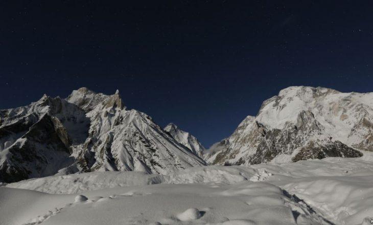 Pakistan: Dy alpinistët amerikanë besohet se kanë vdekur