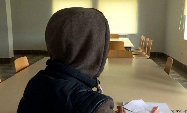 Refugjatë afganë e palestinezë kërkojnë azil në Kosovë