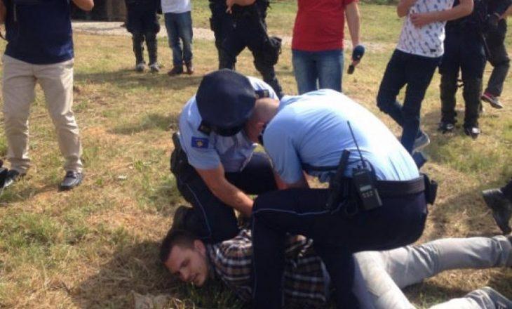 Arrestohen disa studentë gjatë aksionit afër kishës në UP