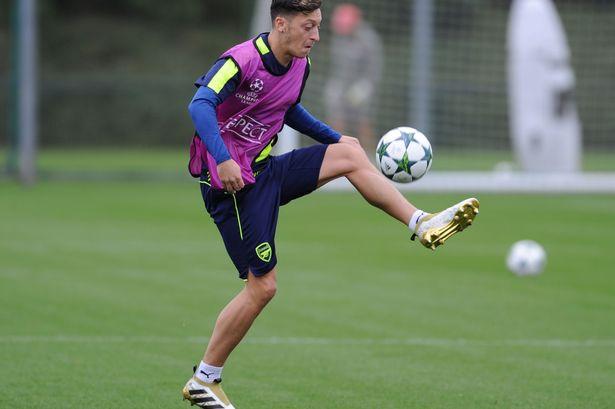 Ozil zgjatë kontratën me Arsenalin dhe merr numrin 10