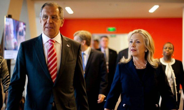 Kremlini beson vërtetë se Hillary Clinton dëshiron luftë me Rusinë